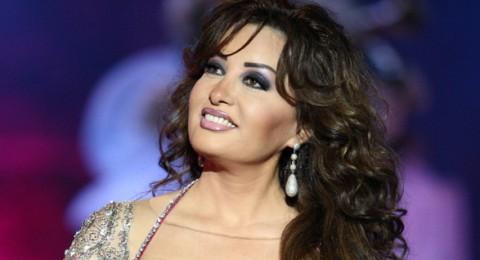 لطيفة: صلّوا لشهداء تونس ومصر